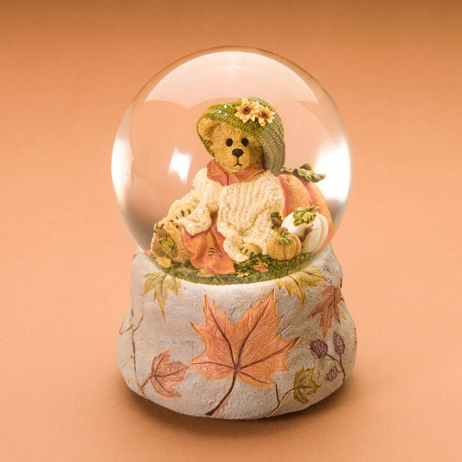 Bailey's Punkin Pickins' Boyds Bear