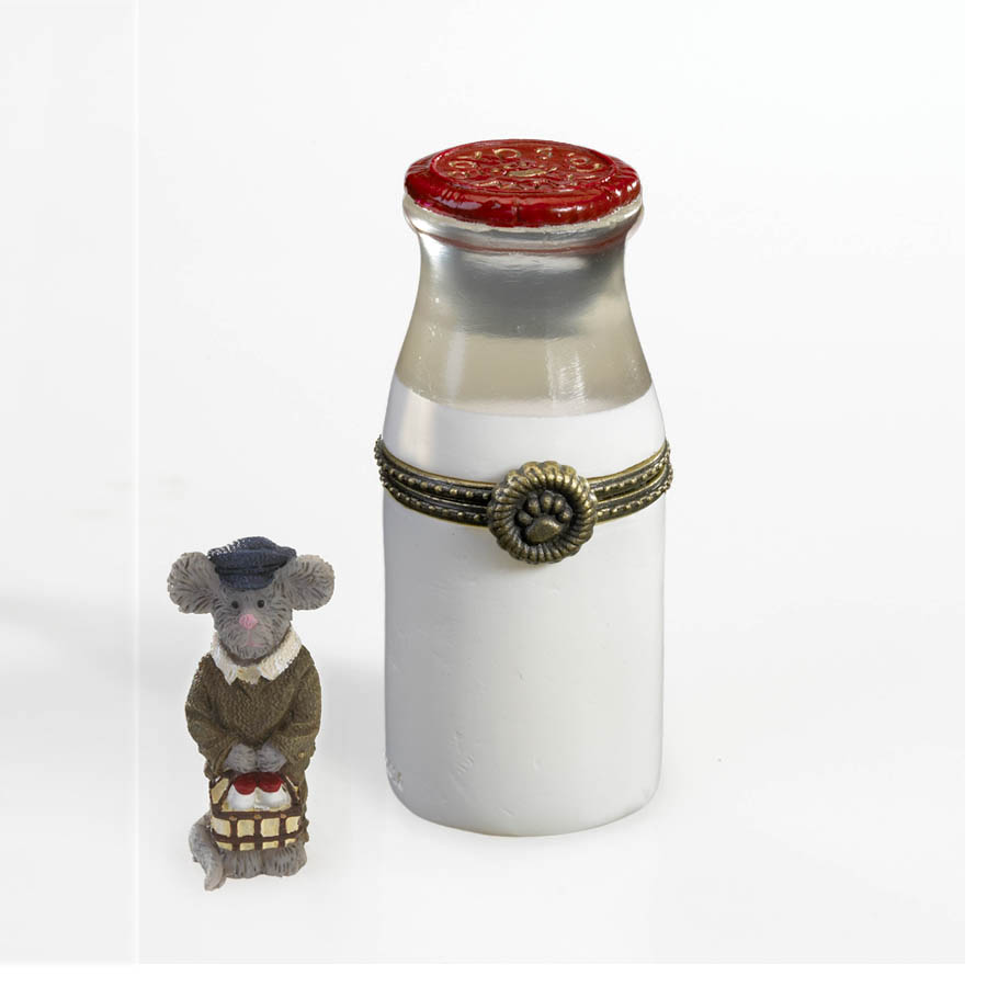 Boyds Dairy Farm Milk Bottle With Pint Mcnibble Boyds Bear