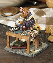 Cookie Bakesalot With Lil' Helper... Oops! Boyds Bear