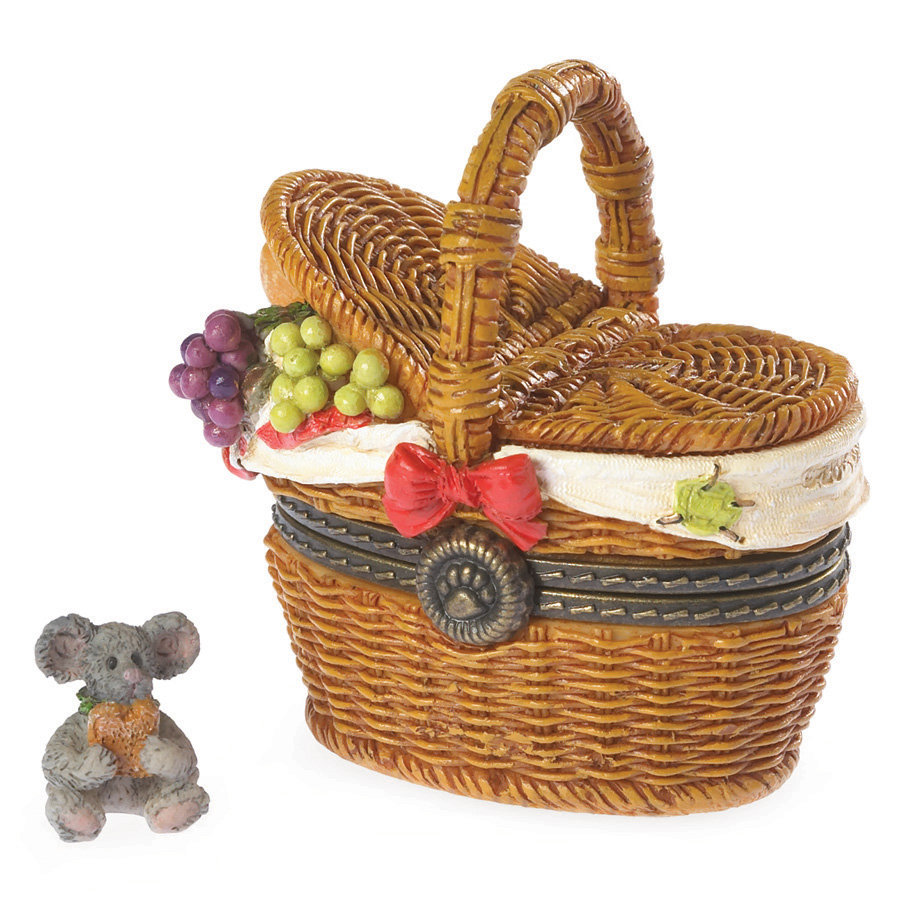 Emily's Picnic Basket With Dagwood Mcnibble Boyds Bear