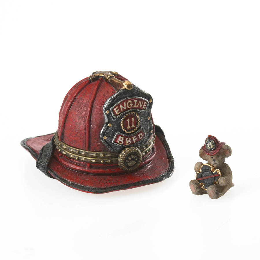 Firefighter Mcbruin's Helmet With Spark Mcnibble Boyds Bear