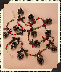 Green & Red Bead Garland W/pinecone Accents Boyds Bear