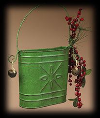 Mountain Berry Tin Bin, Green Boyds Bear