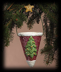 Primitive Pine Paper Cone Boyds Bear