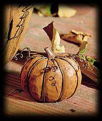 Pumpkin Patch Tablepiece Boyds Bear