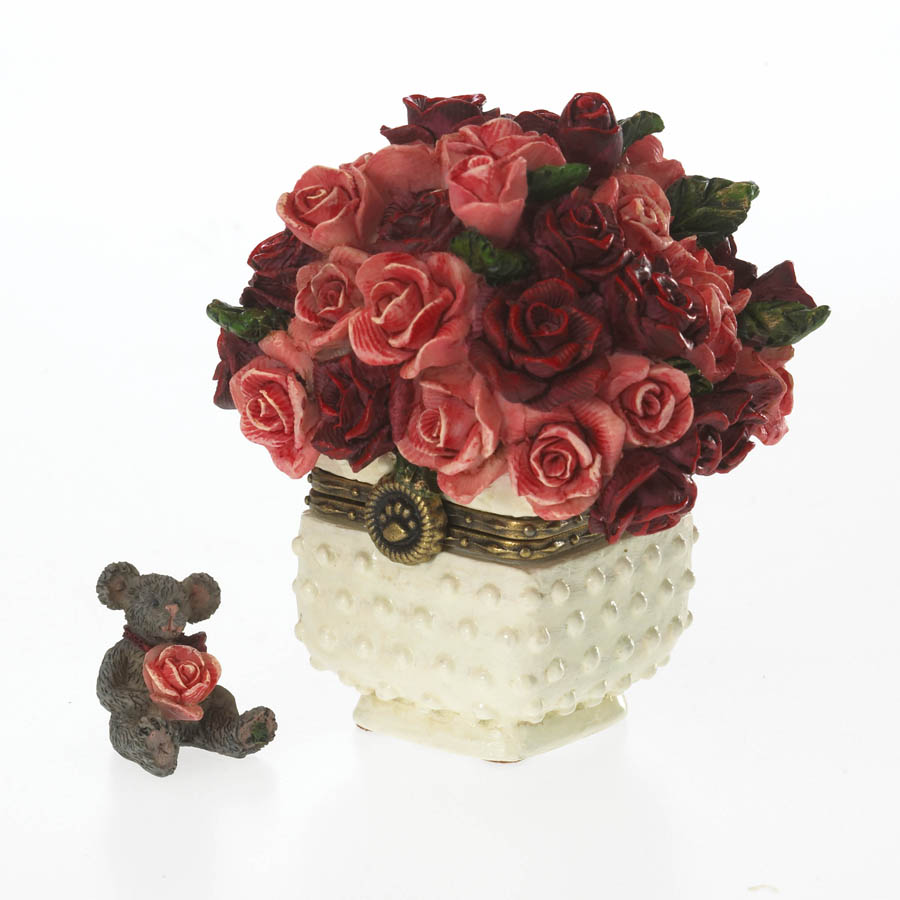 Rose's Bouquet With Bloom Mcnibble Boyds Bear