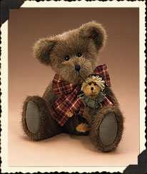 Russell Bear & Scarecrow - November 2005 Boyds Bear
