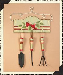 Strawbeary Fields Garden Tool Plaque Boyds Bear