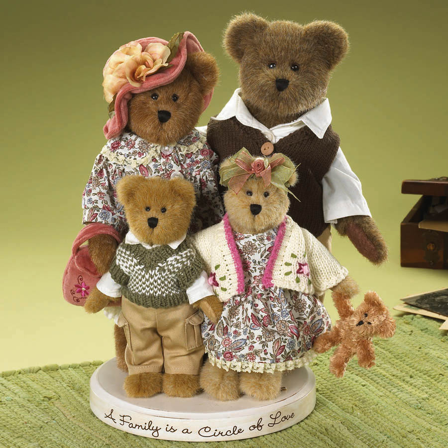 The Bearybrooks... A Family Is A Circle Of Love Boyds Bear