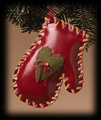 Whip-stitched Mitten Ornament Boyds Bear